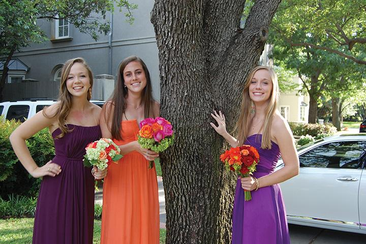 GOING STAG Seniors Jessica, Ali and Ellen opted to go together since their dates were out of town. Photo by Meredith
