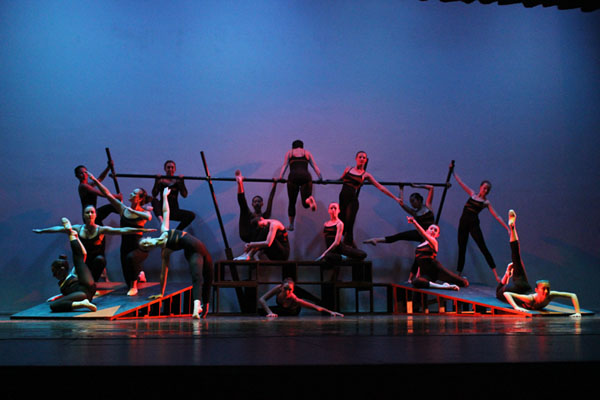 Grit and Grace: Dance Review and Photo Slideshow