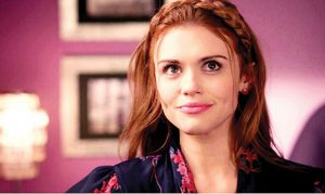 "DAISY TO DIVA Holland Roden plays a classic mean girl on ""Teen Wolf,"" with a twist: she has a genius IQ of 170.  PHOTO COURTESY OF MTV"
