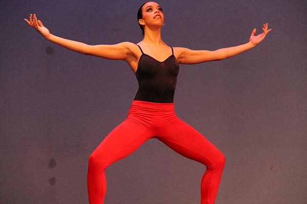 Dallas Black Dance Theater Performs Tribute to Nelson Mandela