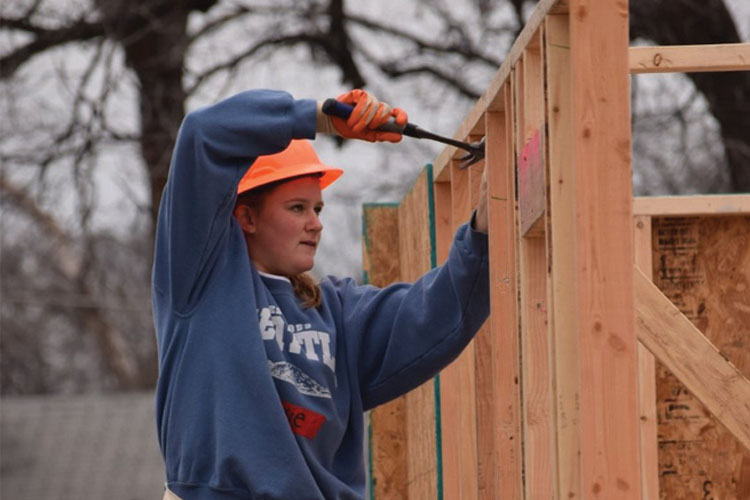 Raise+the+Roof%3A+Hockaday+and+St.+Mark%E2%80%99s+Build+11th+Habitat+for+Humanity+Home