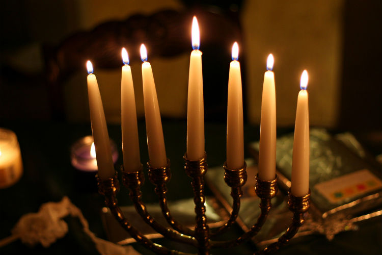 Hold+On+to+Your+Hanukkiahs%3A+the+Story+Behind+Hanukkah